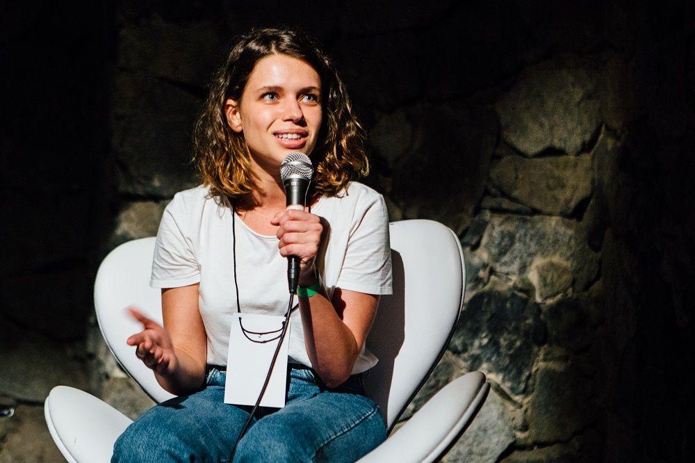 Bruna Linzmeyer falou sobre mudanças no audiovisual: 'abertura do diálogo e uma escuta para mulheres falando'