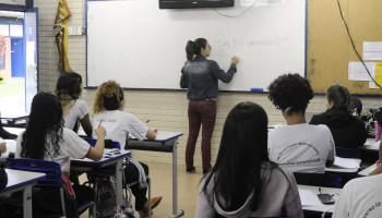 Garantia do uso de banheiro e formação de professores são outras reivindicações fundamentais para a permanência de pessoas trans no ambiente escolar. Foto:  Pillar Pedreira/Agência Senado