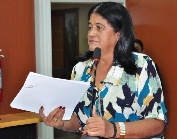 Aurelina não tinha planos de entrar na política partidária, e hoje já está no seu quinto mandato. Foto: Divulgação/ Equipe de Comunicação Aurelina Medeiros