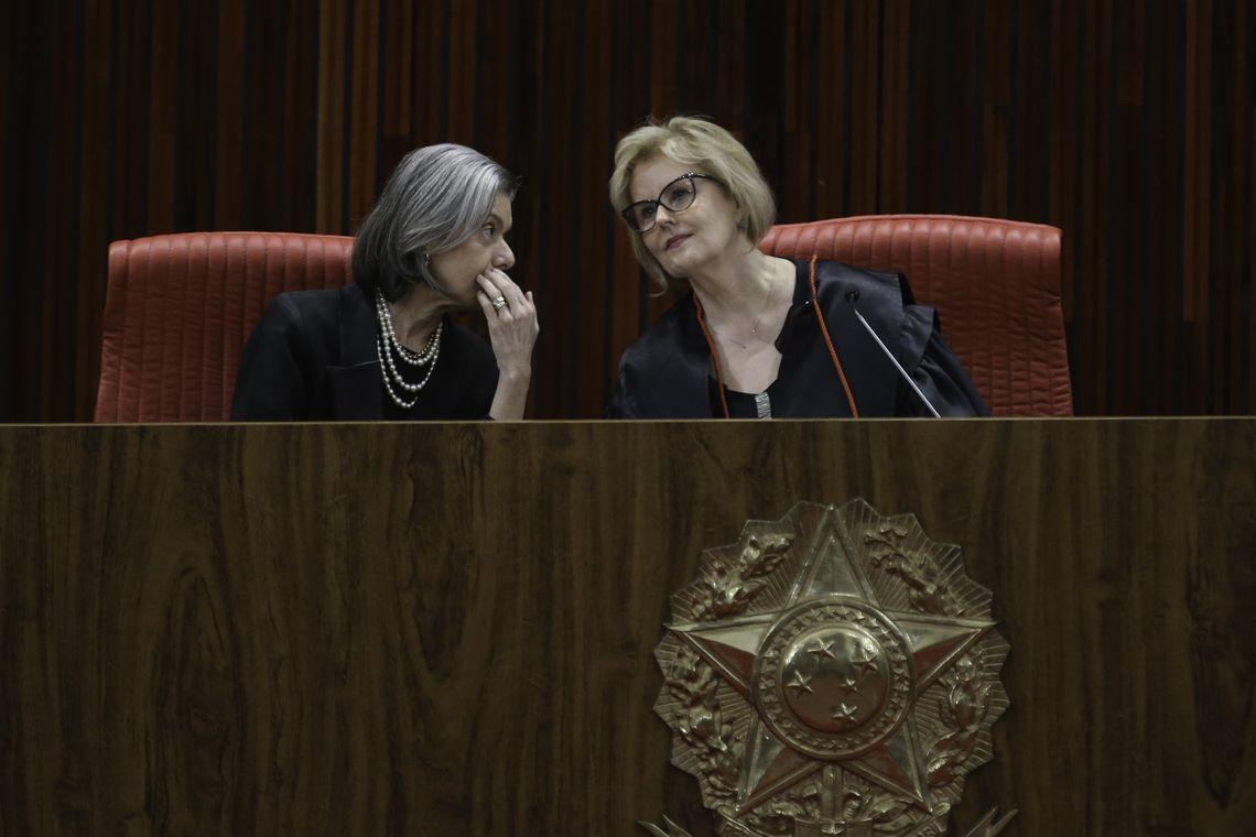 Weber e Cármen Lúcia, presidente do STF, em sua posse como presidente do TSE. | Foto: Fábio Rodrigues Pozzebom / Ag. Brasil