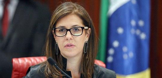 A ex-ministra do TSE e advogada Luciana Lóssio, é otimista sobre o cumprimento dos 30% para mulheres nos partidos. Foto: Divulgação/TSE