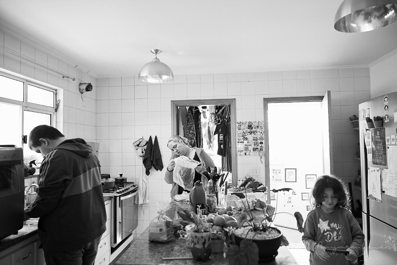 A empresária e mãe Patricia Borbolla se viu sobrecarregada com as demandas do trabalho, da casa e da família durante esse período de isolamento social |Foto: Arquivo Pessoal