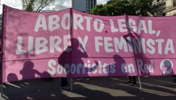 Socorristas en Red se preparam para marchar durante o Encontro Nacional de Mulheres. La Plata, Argentina. Outubro_2019.