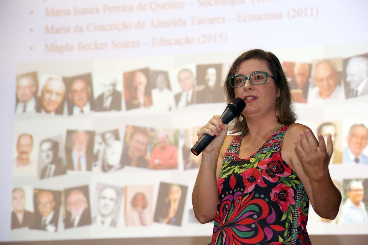 """Betina Stefanello propõe a existência de um """"labirinto de cristal"""", com obstáculos que tornam a trajetória das mulheres """"mais tortuosa"""". Foto: Arquivo pessoal"""