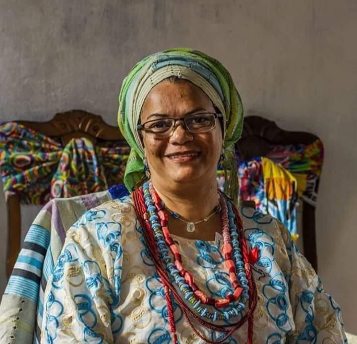 Para a Yalorixá Claudia Rosa, que teve seu terreiro invadido, a intolerância religiosa é fruto do racismo  Foto: Arquivo Pessoal