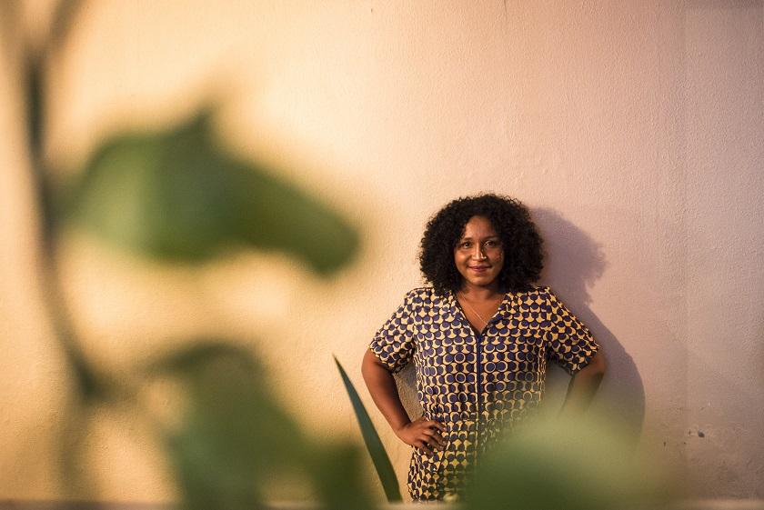O primeiro passo para implementar diversidade nas equipes de trabalho em tecnologia no Brasil é reconhecer que ela não existe nesses espaços, seguindo Silvana Bahia  Foto: Valda Nogueira/Olabi