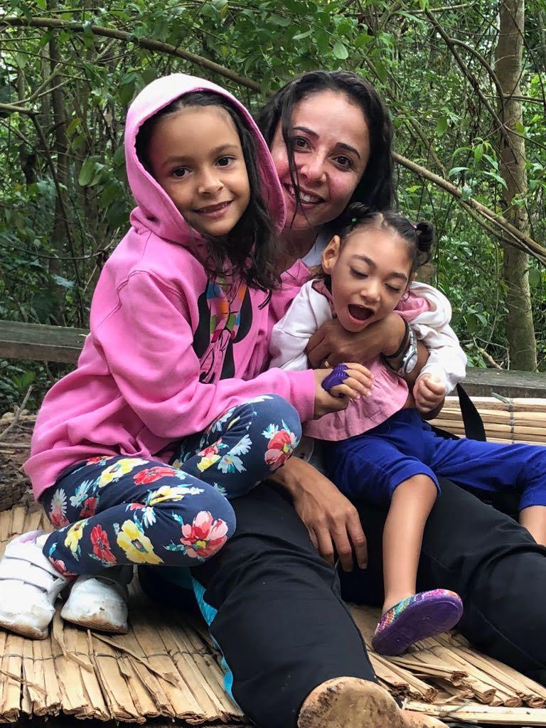 A baiana Joana Passos, mãe de filha com Síndrome Congênita da Zika reúne mulheres em ONG sobre microcefalia  FOTO: Arquivo Pessoal