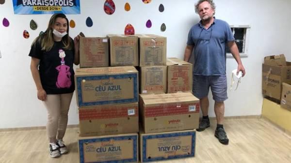 Elizandra recebe doações para a produção de marmitas  Foto: Reprodução/Facebook