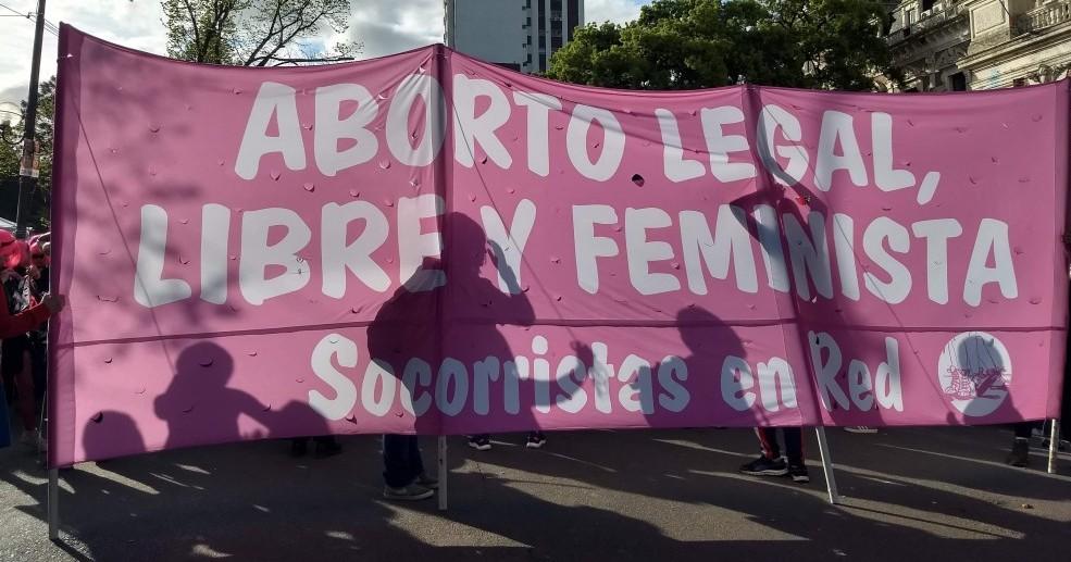 Na pandemia, redes feministas se tornam ainda mais fundamentais para as mulheres que abortam na América Latina