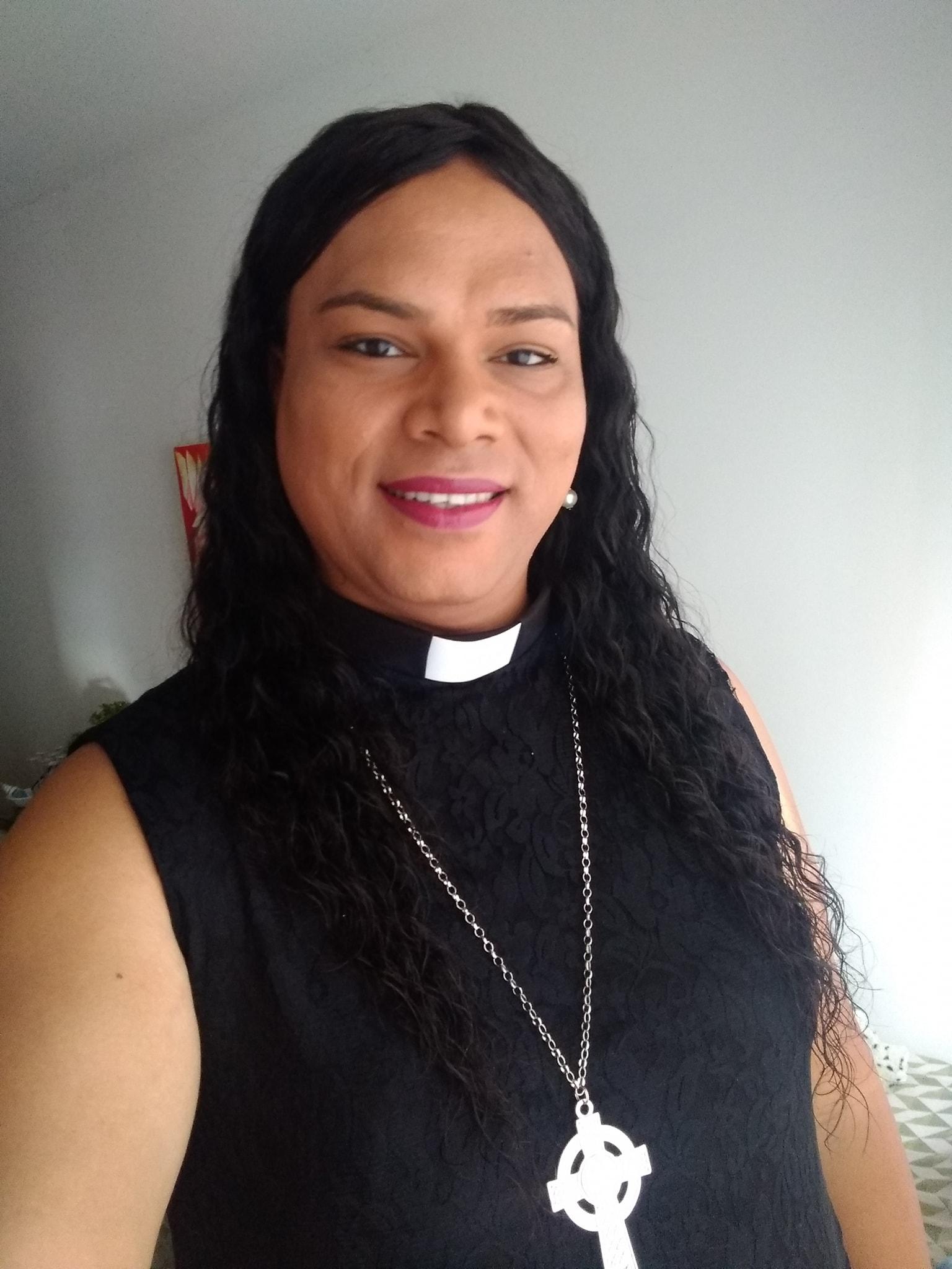 Alexya é reverenda em São Paulo e pretende mudar a concepção da religião atrelada ao conservadorismo dentro da política | Foto: Arquivo pessoal