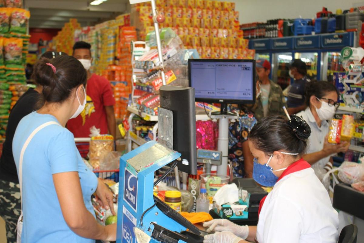 Trabalhadoras de supermercados acreditam que suporte durante pandemia não foi suficiente | Foto: Procon/RO