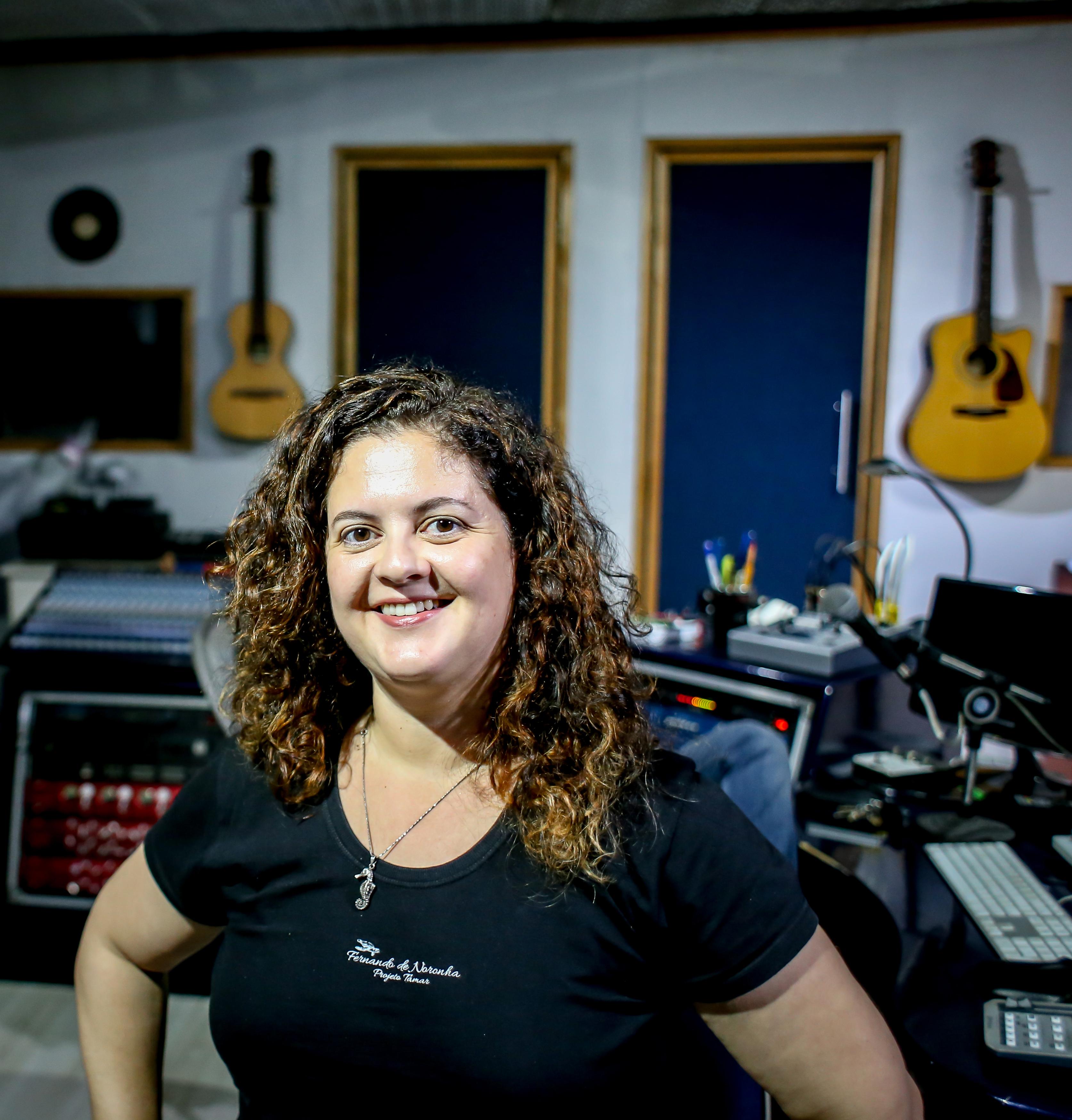 Diretora e produtora há 20 anos, Joana Ninl ança eu segundo longa, Proibido Nascer no Paraíso, sobre parto e direito de escolha da mulher | Foto: Divulgação